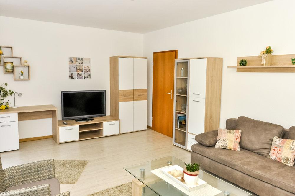 wohn schlafraum 24 qm ferienwohnung tappert. Black Bedroom Furniture Sets. Home Design Ideas